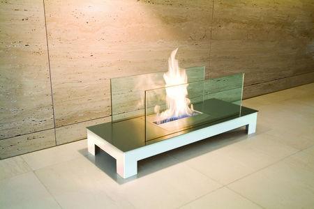 FLOOR FLAME edelstahl matt, gehäuse weiß, glas Typ 537e